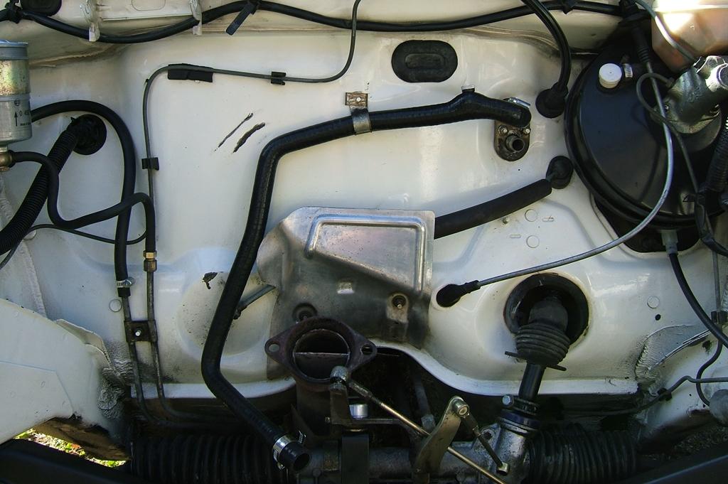 [90]  205 GTI 1L6 - 115cv - AM88 - Blanc Meije - Nouvelle Lionne au pays du Lion Dscf5020
