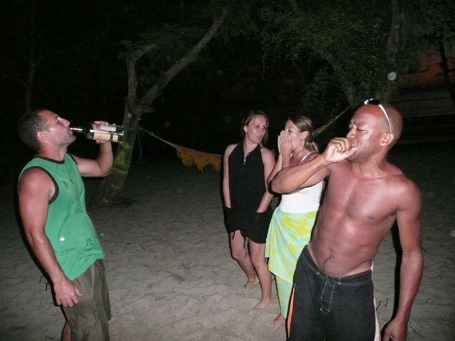 Hamacs-Party à Anse Meunier !!! Janvier et Février 2008 !!! P1080315