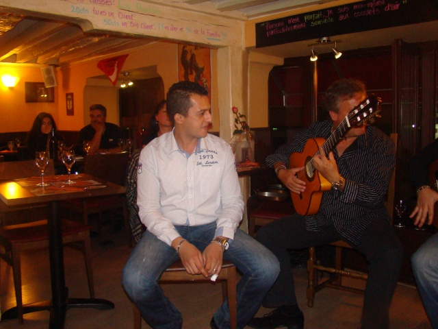 Soirée Gipsy au Lizarran Paris le 22/10/11 - Page 2 Dsc06420