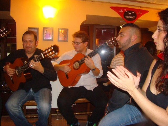 Soirée Gipsy au Lizarran Paris le 22/10/11 - Page 2 Dsc06421