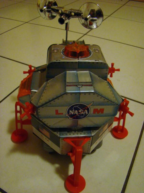 SPACE TRADING CARDS de TOPPS - Page 2 Apollo11
