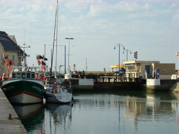 mon voyage en normandie, Courseuilles, Arromanche, OMAHA, Port en Bessin, Douvres la Delivrande Port_e15