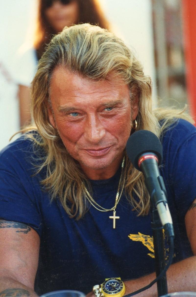 Johnny chez le coiffeur, cheveux longs cheveux courts  Img73413