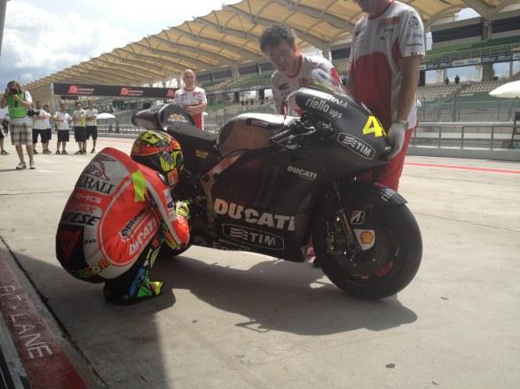 La GP12 est belle - Page 2 Rossi_10