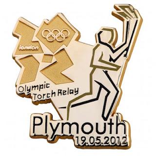 Pin's Londres 2012 - Relayeurs de la Flamme Olympique 191810