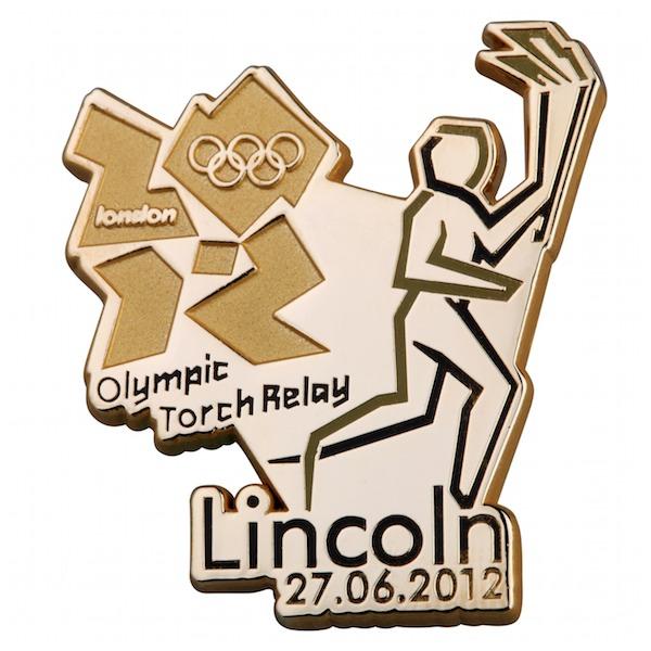Pin's Londres 2012 - Relayeurs de la Flamme Olympique 195910
