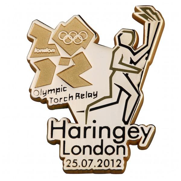 Pin's Londres 2012 - Relayeurs de la Flamme Olympique 198910