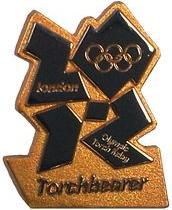 Pin's Londres 2012 - Relayeurs de la Flamme Olympique Torchb10