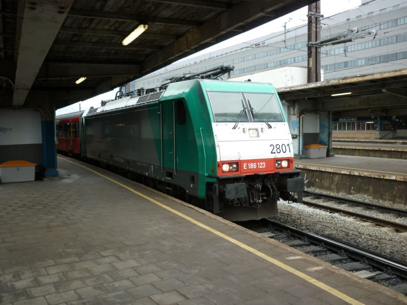 En passant par Bruxelles : D P1030115