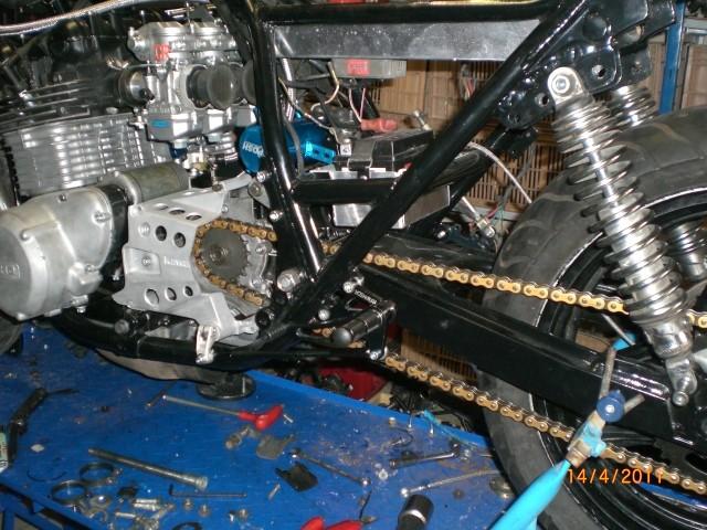 Z1000A2 Racer - Page 4 Cimg4813