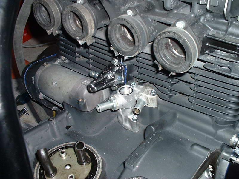 radiateur d'huile sur un z1000 Dscf0011