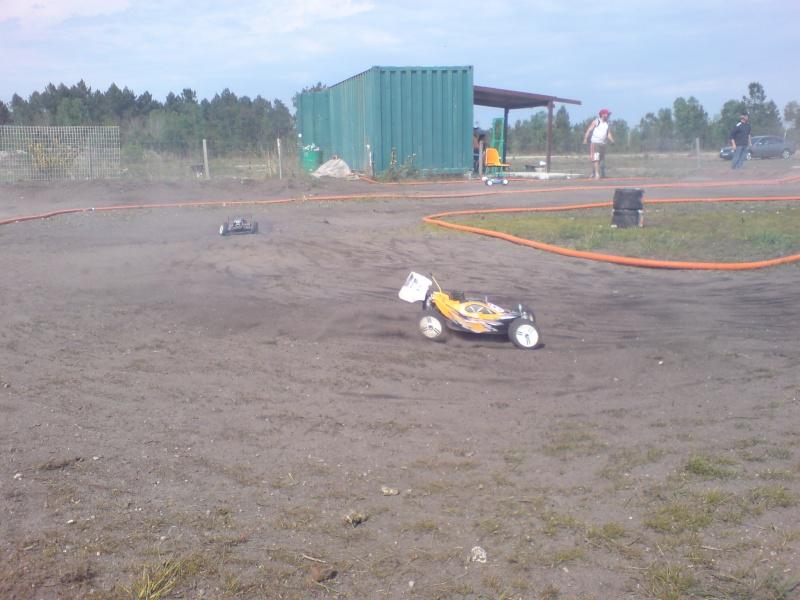 Course amicale de St Aubin Model Club le 27/04/2008 Dsc00642