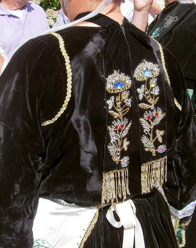 Détail d'un costume femme Arriar10