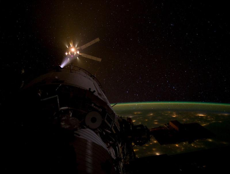 LES RDV & MISSIONS avec L'ISS - Page 4 Atv3_d10