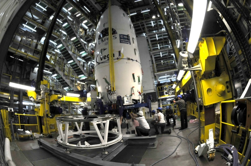 Les Tirs d'ARIANE 5... - Page 2 Coiffe10