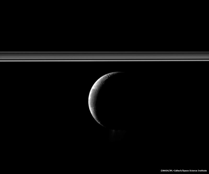 Les Satellites de Saturne par Cassini... - Page 2 Encela10