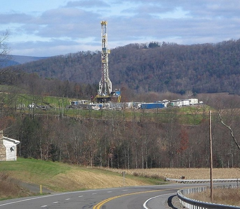 La polémique autour du gaz de schiste Forage10
