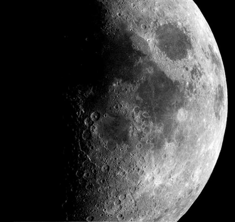 EVENEMENTS AUTOUR DE L'ASTRONOMIE - Page 2 L_univ11