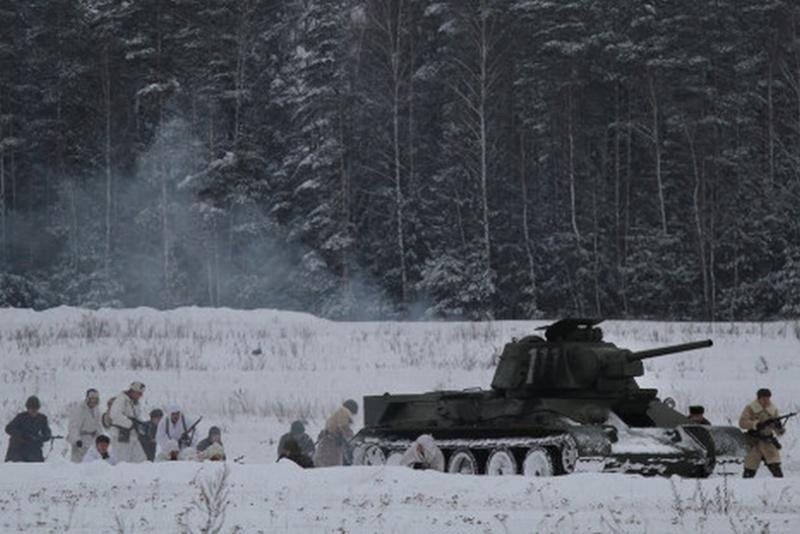 Une Reconstitution d'une bataille de la Seconde Guerre mondiale... Recons16