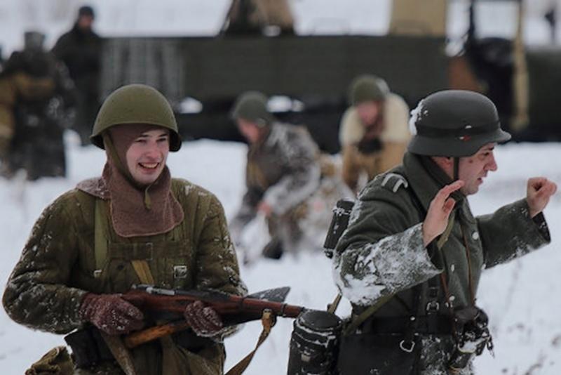Une Reconstitution d'une bataille de la Seconde Guerre mondiale... Recons19