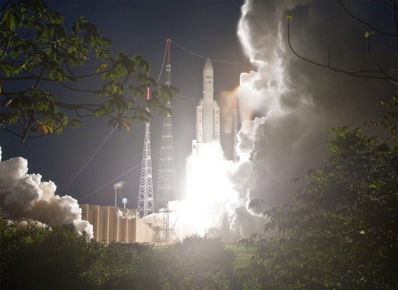 Les Tirs d'ARIANE 5... - Page 2 V204_210