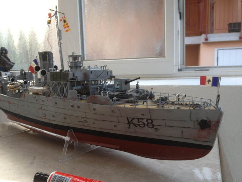 corvette HMCS SNOWBERRY 1/72eme revell  - Page 2 Img_0215