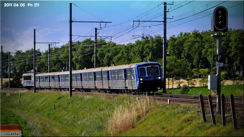 Photos et vidéos de la ligne Bordeaux - Toulouse - Narbonne - Sète (2007-2013) - Page 6 2011_020