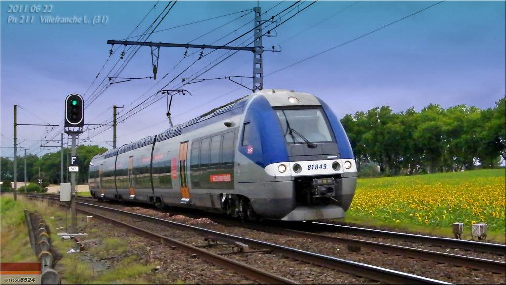 Photos et vidéos de la ligne Bordeaux - Toulouse - Narbonne - Sète (2007-2013) - Page 6 2011_025