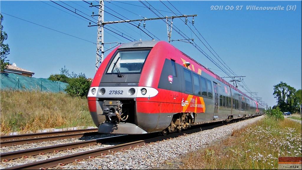 Photos et vidéos de la ligne Bordeaux - Toulouse - Narbonne - Sète (2007-2013) - Page 6 2011_047