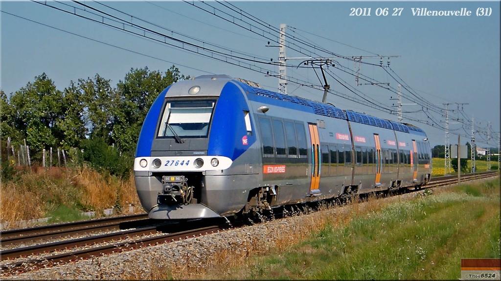Photos et vidéos de la ligne Bordeaux - Toulouse - Narbonne - Sète (2007-2013) - Page 6 2011_048
