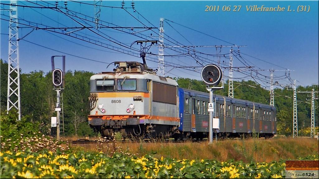 Photos et vidéos de la ligne Bordeaux - Toulouse - Narbonne - Sète (2007-2013) - Page 6 2011_057