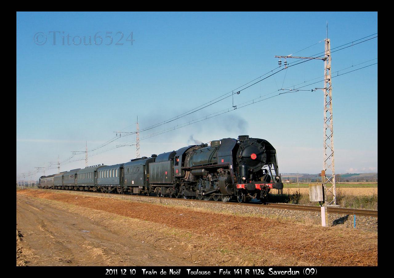2011 - R1126 : le Pére Noel aime les trains a vapeur . 2011_186