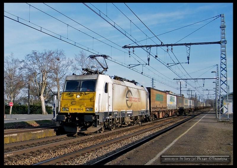 Photos et vidéos de la ligne Bordeaux - Toulouse - Narbonne - Sète (2007-2013) - Page 22 2012_029