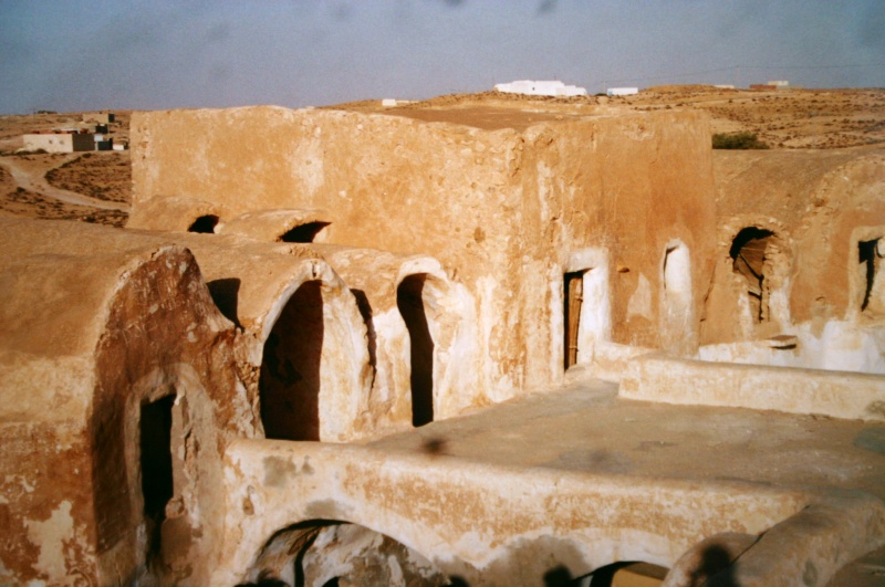 Dans les sables de Tatooine : sur les traces de George Lucas en Tunisie (Star Wars 4: A New Hope et Star Wars 1: The Phantom Menace) Mos_es13