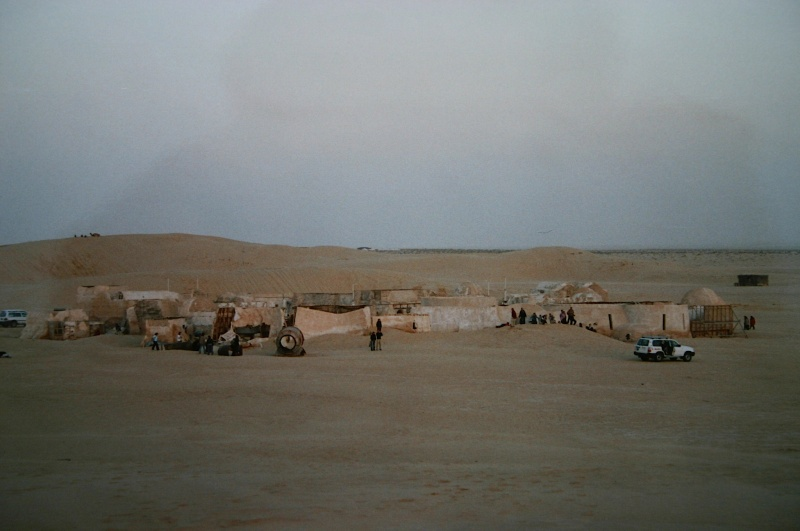 Dans les sables de Tatooine : sur les traces de George Lucas en Tunisie (Star Wars 4: A New Hope et Star Wars 1: The Phantom Menace) Mos_es14