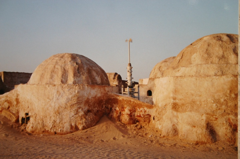 Dans les sables de Tatooine : sur les traces de George Lucas en Tunisie (Star Wars 4: A New Hope et Star Wars 1: The Phantom Menace) Mos_es15
