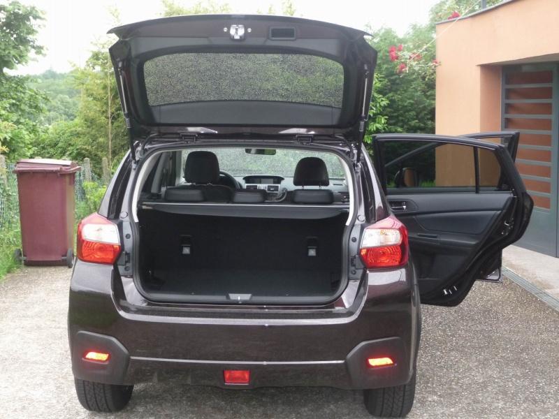 Subaru XV 2.0i Club CVT Deep Cherry Pearl Redim109
