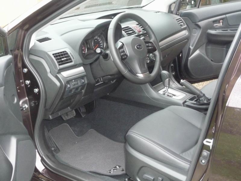 Subaru XV 2.0i Club CVT Deep Cherry Pearl Redim110