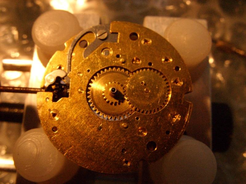 Essai sur l'horlogerie ( premier démontage de montre inside)(photos) Ss853020