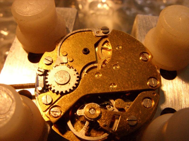 Essai sur l'horlogerie ( premier démontage de montre inside)(photos) Ss853023