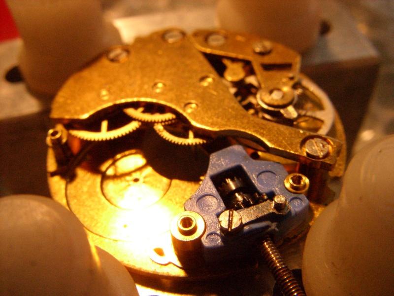 Essai sur l'horlogerie ( premier démontage de montre inside)(photos) Ss853025