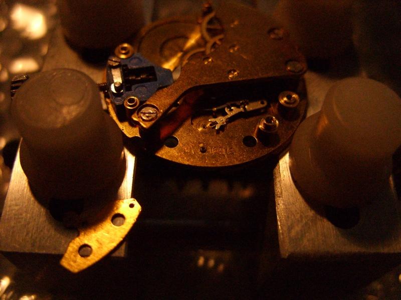 Essai sur l'horlogerie ( premier démontage de montre inside)(photos) Ss853027