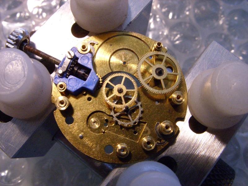 Essai sur l'horlogerie ( premier démontage de montre inside)(photos) Ss853029