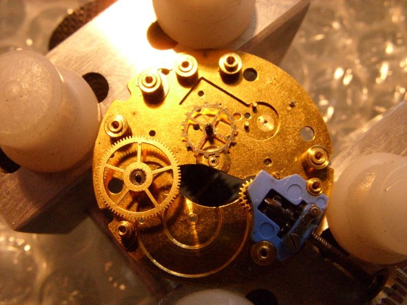 Essai sur l'horlogerie ( premier démontage de montre inside)(photos) Ss853030