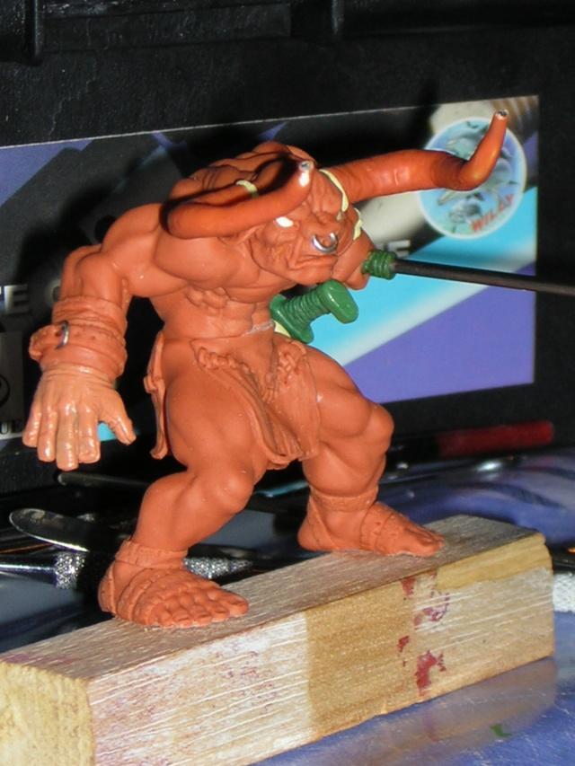 Figurine minotaure / gally (gunnm) / tortue ninja - Page 2 Dscn5244
