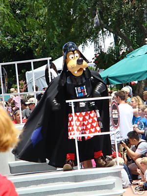 Star Wars Weekends 2008 Disney's Hollywood Studios - Page 2 Goofy10