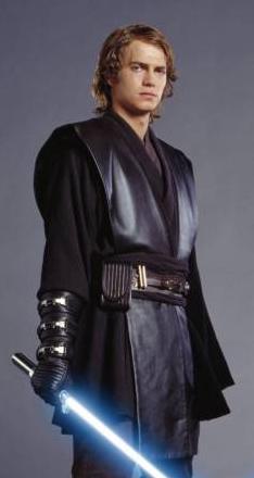 une statuette Anakin Skywalker (seigneur sith) Anakin10
