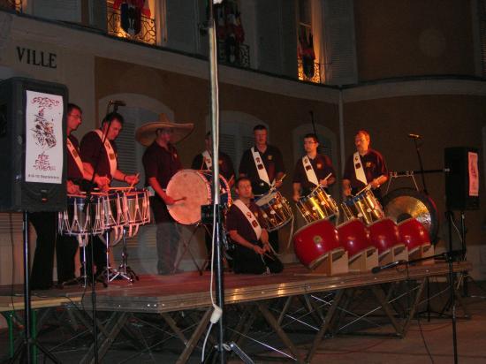 photo de votre groupe de tambour !!!!! Dscn1612