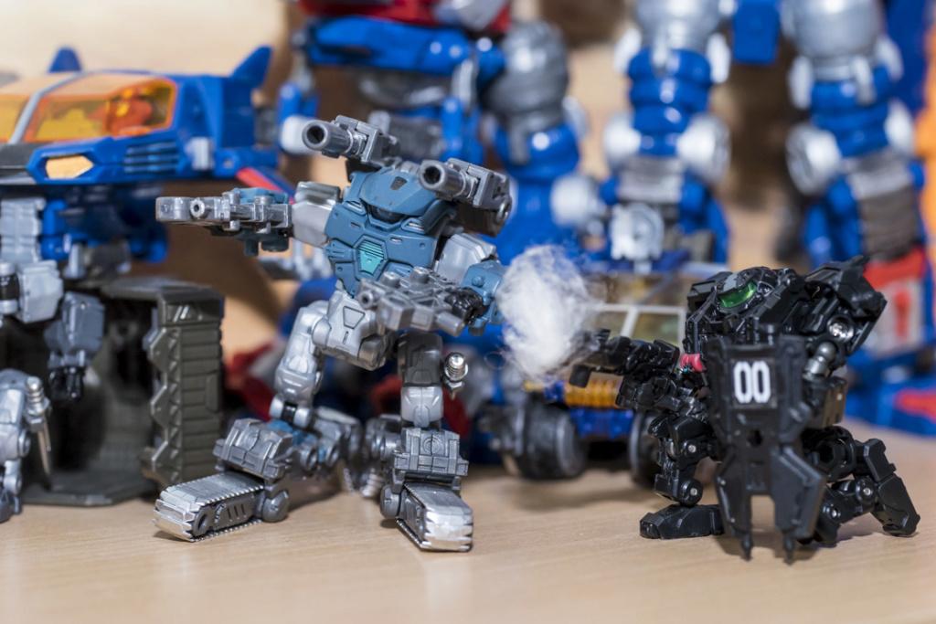 Guerres Transformers! Montrez-moi vos batailles et guerres épiques en photo ici. - Page 8 Dsc00117