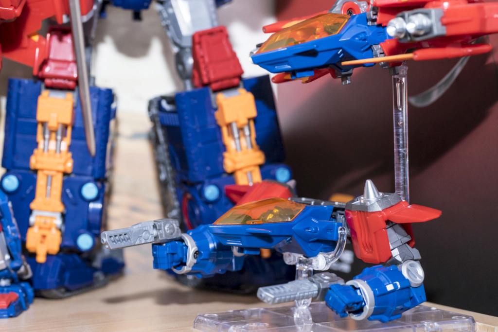 Guerres Transformers! Montrez-moi vos batailles et guerres épiques en photo ici. - Page 8 Dsc00118